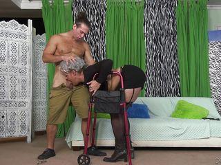 Грубый секс в анал