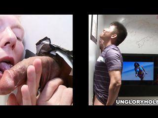 Гей порно сосут большой член